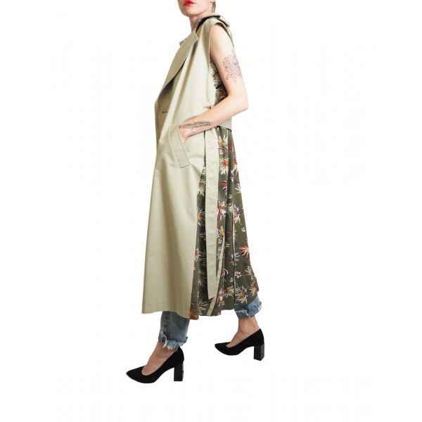Light beige sleeveless trench coat with flowered back detail