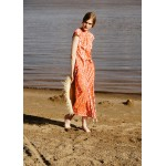Patterned coral dress with white applique