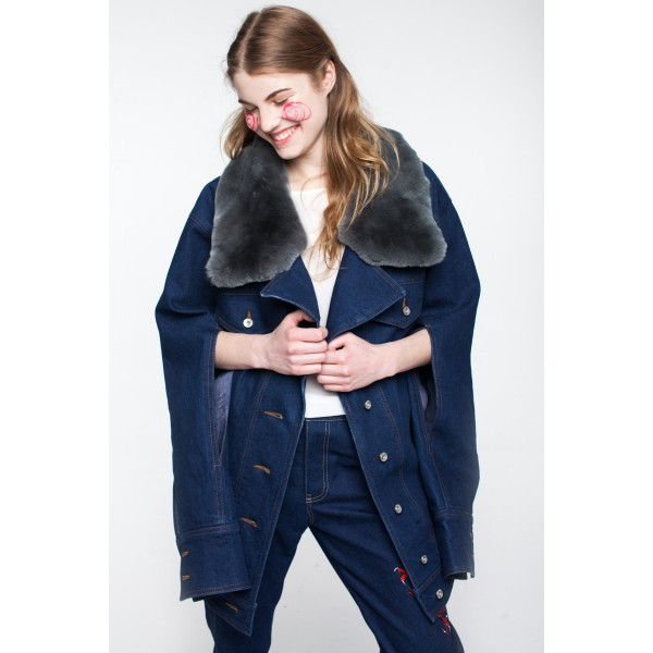 Long-sleeved denim jacket with fur collar