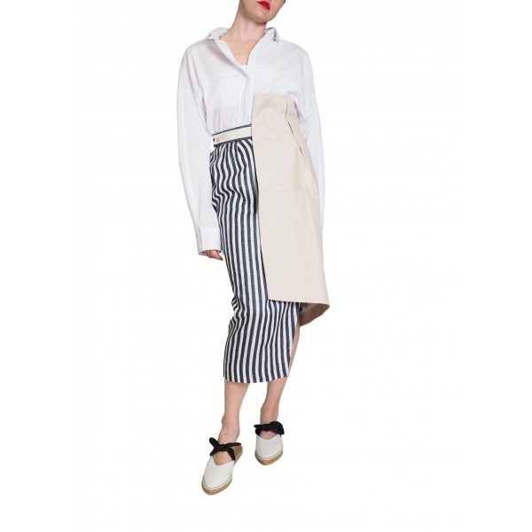 Wrap skirt with black and white stripes